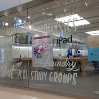 Photo taken at Apple Mall of America by Pengyu G. on 9/16/2013