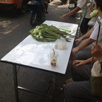 Photo taken at ตลาดสดพระประแดง by © P'p ハ. on 11/4/2012