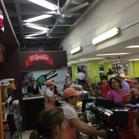 Foto tomada en Tienda Gualilo por Maria Fernanda R. el 1/19/2013