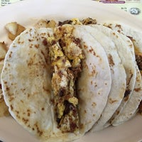 Photo taken at Tacos Ernesto by Salvatore G. on 1/17/2015