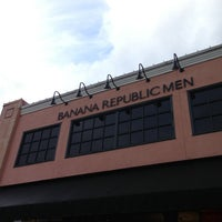 Photo taken at Banana Republic by William F. on 12/22/2012