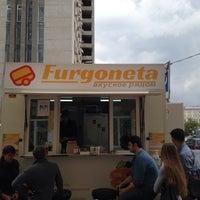 Снимок сделан в Furgoneta пользователем Julia O. 8/27/2013