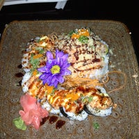 Photo taken at Umi Japanese Cuisine by Angélica A. on 2/8/2013