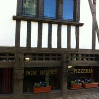 Photo taken at Pizzeria Dom Morice by LOKKILUCK L. on 4/25/2013