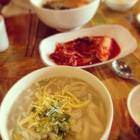 Photo taken at Tom's Noodles by Heedori K. on 7/19/2013