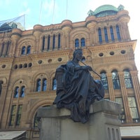 Photo taken at Queen Victoria's Statue by Carolina on 4/16/2017