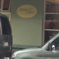 Photo taken at Sena 22 Restaurante by Fernando C. on 6/13/2013
