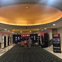Photo prise au Casino Du Palais De La Méditerranée par Enis Moris le7/18/2017