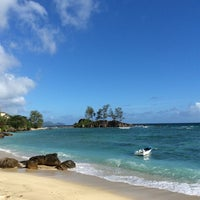 Photo taken at Anse Islet by Евгений И. on 8/21/2014