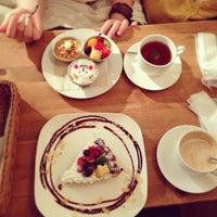 รูปภาพถ่ายที่ All C's Cafe โดย Tetsuhiro S. เมื่อ 7/4/2013