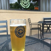 Photo taken at Scratchtown Brewing Company by Tom B. on 5/28/2016