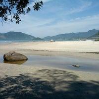 Foto tirada no(a) Praia da Lagoinha por Lucas D. em 10/21/2012