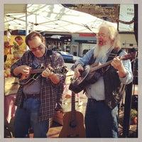 Foto tomada en Mt. Pleasant Farmer's Market por Aaron G. el 4/13/2013