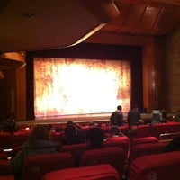 Photo taken at 滨湖剧院 Binhu Theater by starboard on 12/23/2012