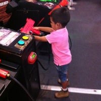 Photo taken at Peter Piper Pizza HEB Matamoros by Lulu C. on 4/21/2014
