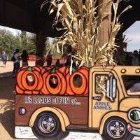 Photo taken at Apple Annie's Pumpkins And Produce by Jane H. on 10/19/2014