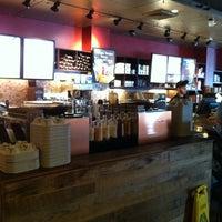 Foto tomada en Starbucks por iamALLENation el 6/26/2013