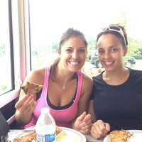 Photo taken at Waffle House by Benno K. on 7/9/2013