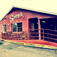 Photo taken at Sonny's Real Pit Bar-B-Q by Michelle O. on 1/3/2014