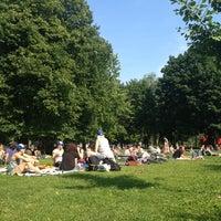 6/15/2013にLorraine S.がTrinity Bellwoods Parkで撮った写真