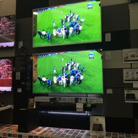Photo taken at Sony Store by Yaz S. on 5/28/2016