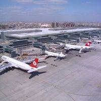 7/18/2013 tarihinde Özgür D.ziyaretçi tarafından İstanbul Atatürk Havalimanı (IST)'de çekilen fotoğraf