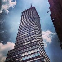 Foto tomada en Torre Latinoamericana por David F. el 7/21/2013