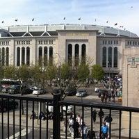 Das Foto wurde bei MTA Subway - 161st St/Yankee Stadium (4/B/D) von ariq d. am 4/28/2013 aufgenommen