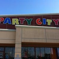 2/3/2013 tarihinde Ode-William F.ziyaretçi tarafından Party City'de çekilen fotoğraf