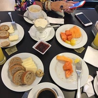 Photo taken at Sal & Pimienta by Macy Castellano 🇧🇷🇺🇸🇳🇱 -. on 5/10/2016