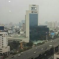 Photo taken at สำนักงานส่งเสริมวิสาหกิจขนาดกลางและขนาดย่อม (สสว.) Office of Small and Medium Enterprises Promotion (OSMEP) by ณัธศ์ ม. on 2/21/2014