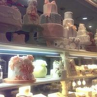 รูปภาพถ่ายที่ Anniversary 青山店 โดย unico เมื่อ 12/7/2014