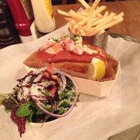 Foto tomada en Burger & Lobster por Omran el 11/29/2013