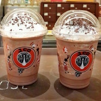 Photo taken at J.CO by WiNDy WiNoVe•°🔱❤ on 10/30/2014