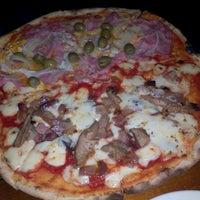 Photo taken at Pizzeria Dall'Italiano by Gláucia M. on 11/4/2012
