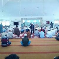 Photo taken at Masjid Abu Bakar Al-Siddiq by Razer on 2/1/2013