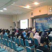 Photo taken at Universitas Al Azhar Indonesia by Be Samyono on 3/6/2013
