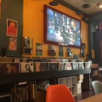 Das Foto wurde bei Songbyrd Record Cafe von Kathrin R. am 5/24/2017 aufgenommen