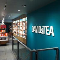 Photo taken at DAVIDsTEA by Oscar O. on 7/12/2013
