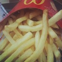 Foto tirada no(a) McDonald's por Amandy G. em 1/6/2013