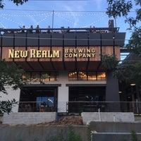 Foto scattata a New Realm Brewing Company da LA P. il 7/3/2018