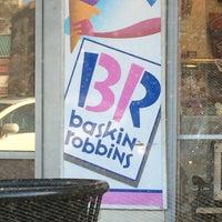 Снимок сделан в Baskin-Robbins пользователем LA P. 3/23/2014