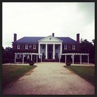 Photo taken at Boone Hall Plantation by BrendaLynda on 7/12/2013