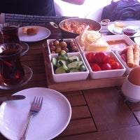 7/7/2013 tarihinde Panguduzzz@ziyaretçi tarafından Baal Cafe & Breakfast'de çekilen fotoğraf