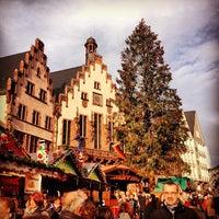 Photo taken at Frankfurter Weihnachtsmarkt by Jon B. on 12/15/2012