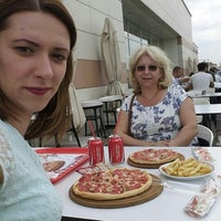 Photo taken at Pasaport Pizza by Cansu Elif T. on 6/29/2015