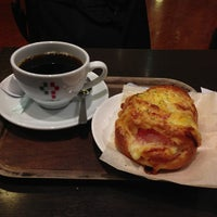 Photo taken at CAFFE CIAO PRESSO & LITTLE MERMAID チャオプレッソ by sa-ry (. on 4/3/2013