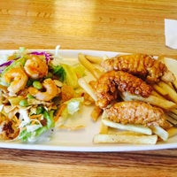 Photo taken at Applebee's by Xiaoxue Y. on 4/15/2015