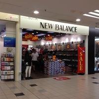 1 utama new balance
