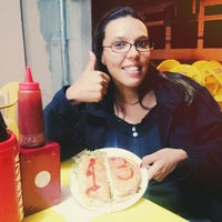 Photo taken at Goiaba's Lanches by Helen A. on 10/26/2014